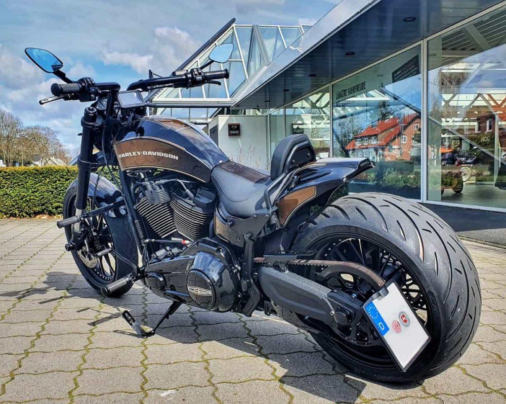 Harley-Davidson FXDR Umbau 2021 - Hinten Links