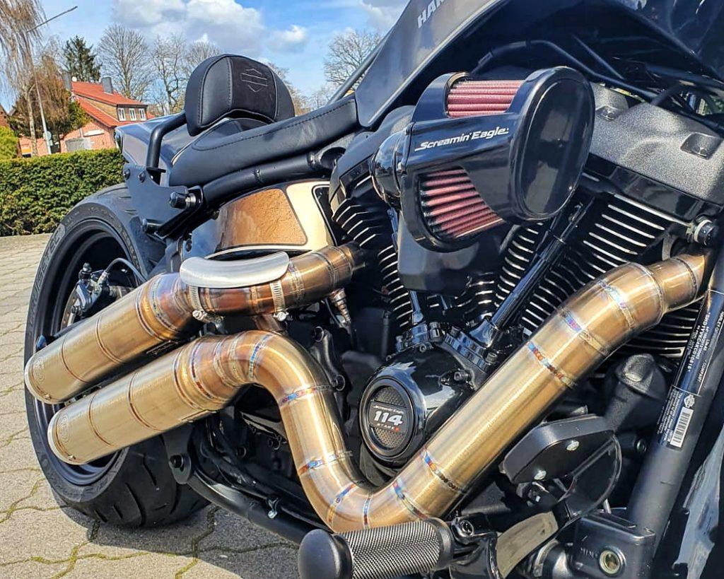 Harley-Davidson FXDR Umbau 2021 - Rechte Seite Motor