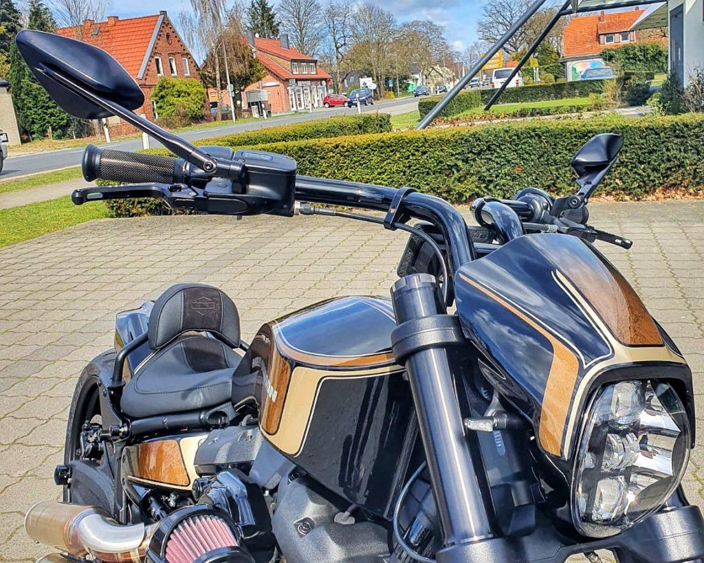 Harley-Davidson FXDR Umbau 2021 - Vorne Rechts